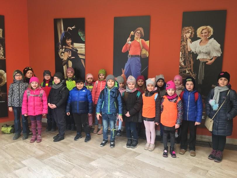 Naši prvňáčci navštívili divadlo Radost